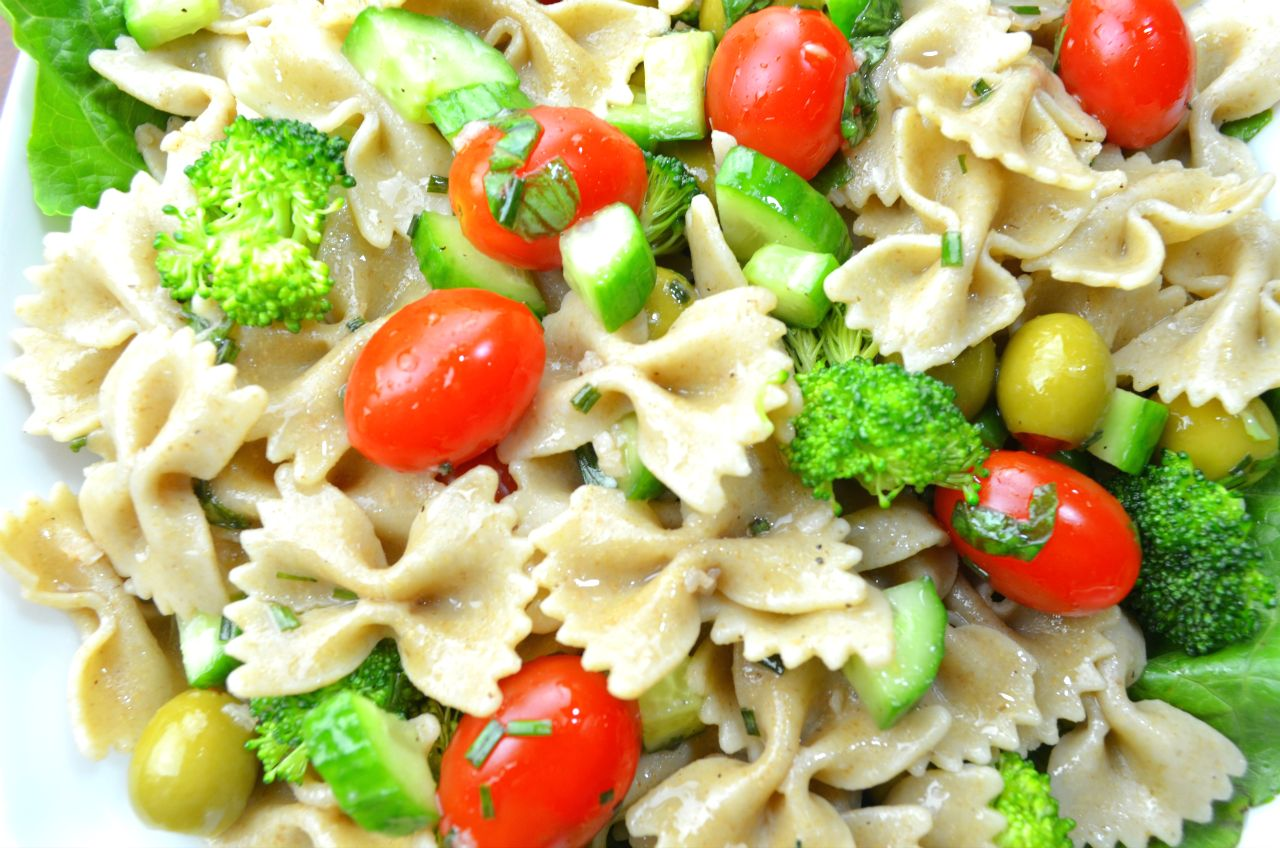 Pasta Salad with Fresh Vegetables