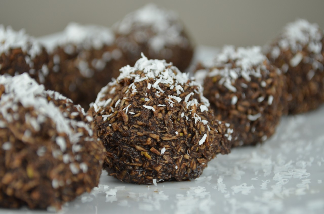 Easy No Bake Chocolate Macaroons