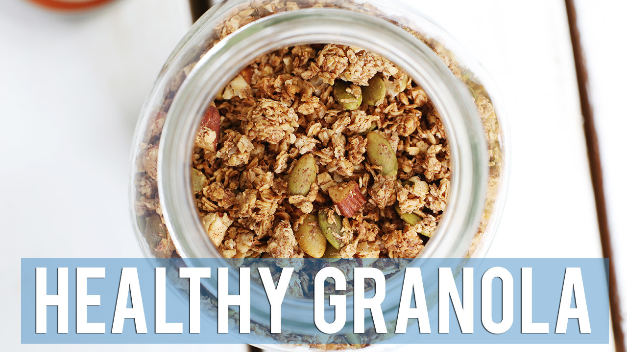 Healthy Granola Recipe + 5 Ways to Eat It