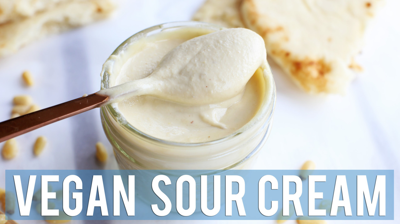 2-Minute Vegan Sour Cream