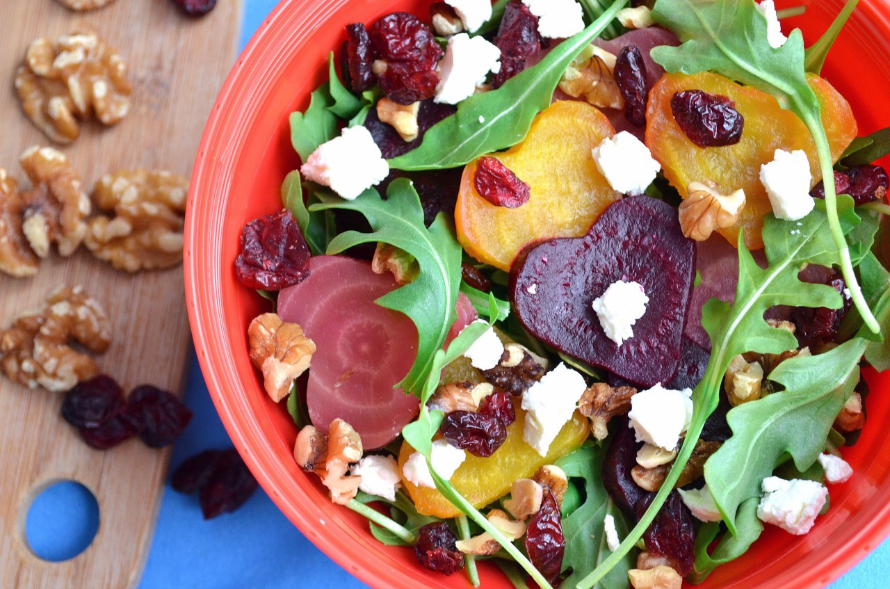 Roasted Beet Arugula Salad with Homemade Balsamic Dressing by Fablunch